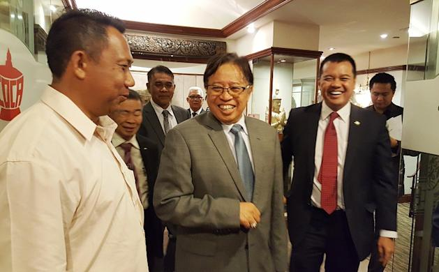 Sarawak Chief Minister Datuk Abang Johari Abang Openg (centre) says the state Barisan Nasional's views on the Bill have been submitted to Prime Minister Datuk Seri Najib Razak. — Picture by Sulok Tawie