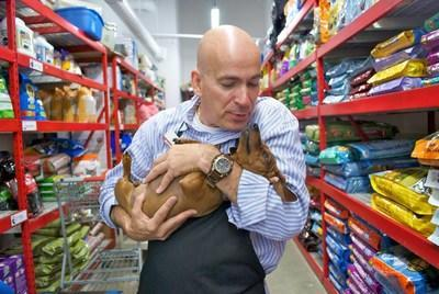 Pet Food Express & # 39;  Complete the Food Bank Campaign to Feed CA Hungry Dogs with Feeders for the First Dog