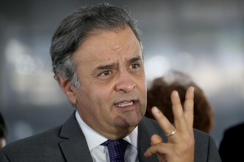 Supremo afasta senador Aécio Neves do mandato