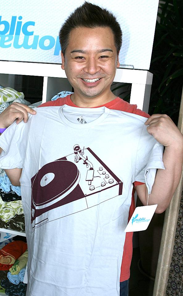 """Rex Lee holds up a tee. Alexandra Wyman/<a href=""""http://www.wireimage.com"""" target=""""new"""">WireImage.com</a> - May 31, 2007"""