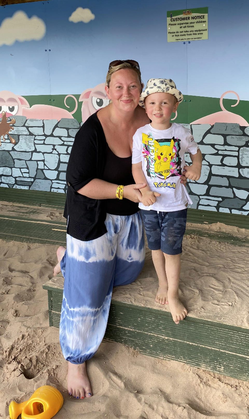 Nicola Boswell with her son Jameson before her weight loss. (Caters)