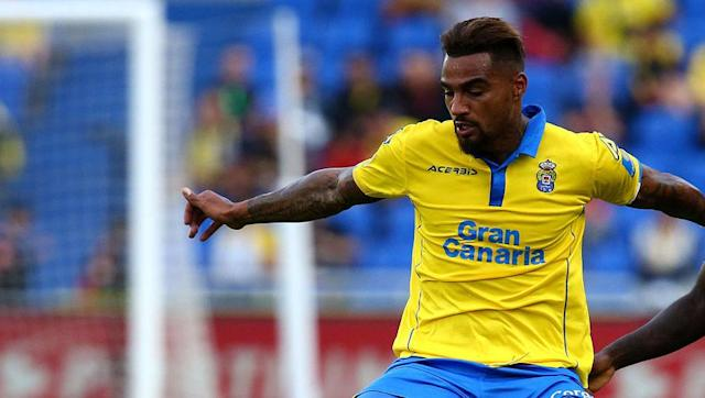 "<p><strong>Transfer: Las Palmas to Eintract Frankfurt</strong></p> <br><p>Notorious for being a difficult character, Kevin-Prince Boateng has reinforced his reputation after terminating his contract with Spanish side Las Palmas. Up next for the Ghanaian international midfielder, a potential <a href=""http://www.90min.com/posts/5404762-former-premier-league-ac-milan-star-kevin-prince-boateng-leaves-las-palmas-with-bundesliga-calling"" rel=""nofollow noopener"" target=""_blank"" data-ylk=""slk:switch"" class=""link rapid-noclick-resp"">switch</a> to Bundesliga's Eintracht Frankfurt.</p>"