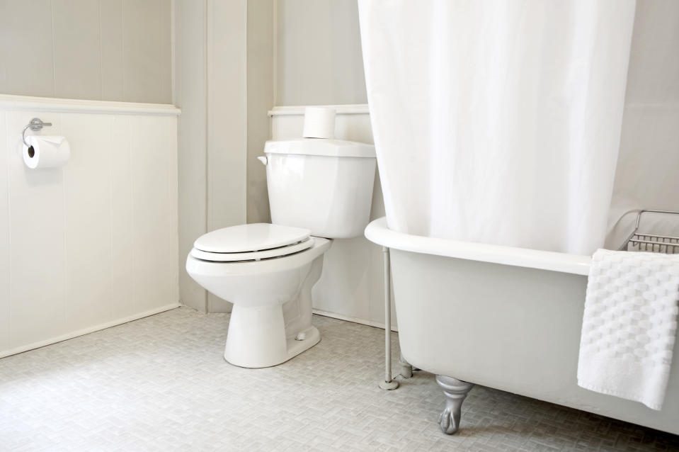 Bathroom interior with claw foot bathtub. These toilets are a common sight in Canadian and United States bathrooms in homes. (Getty)