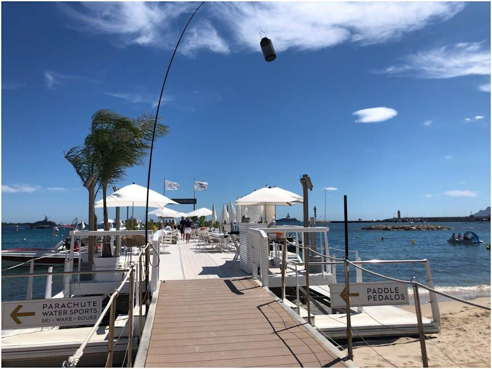 BFire Cannes restaurant front view sunny