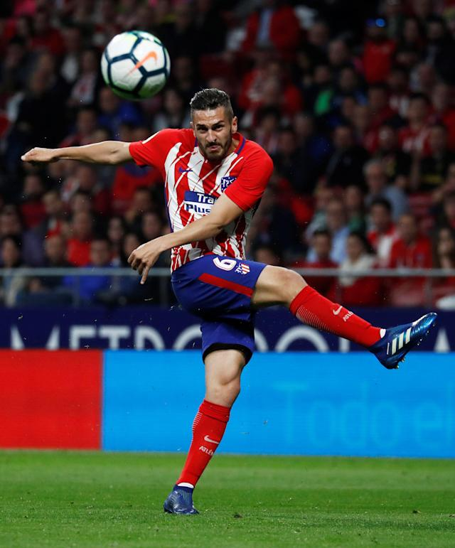 Soccer Football - La Liga Santander - Atletico Madrid v Real Betis - Wanda Metropolitano, Madrid, Spain - April 22, 2018 Atletico Madrid's Koke shoots at goal REUTERS/Juan Medina