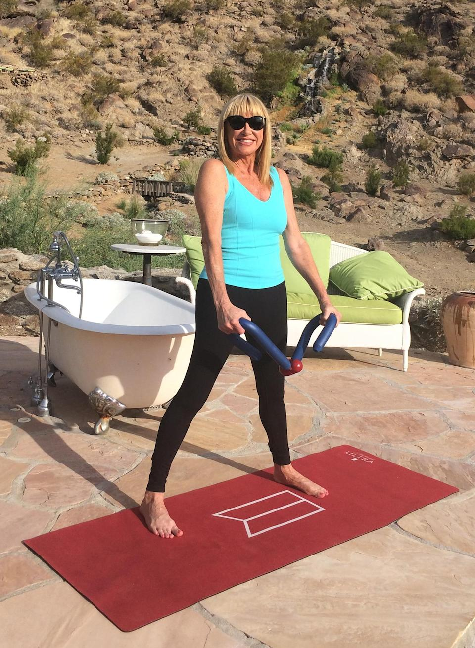 """<p>Suzanne Somers enjoys a special """"ULTRA Throwback Thursday"""" livestream — check that ThighMaster! — as part of Movement by Michelob ULTRA LIVE.</p>"""