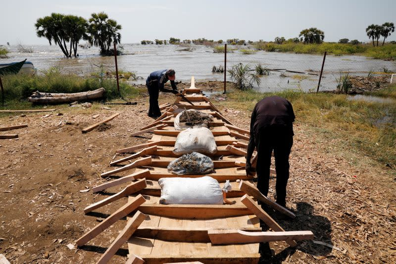 Kenya fishermen say they are squeezed by Ethiopian mega-dam
