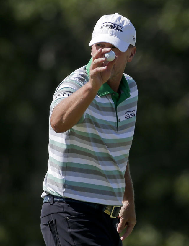 Steve Stricker reacts to a putt on the second green during the third round of the U.S. Open Golf Championship, Saturday, June 16, 2018, in Southampton, N.Y. (AP Photo/Seth Wenig)