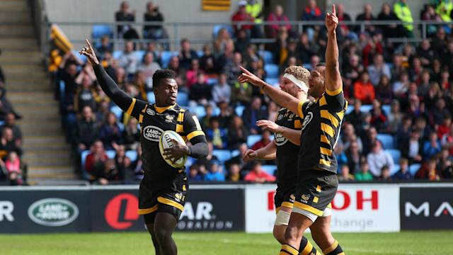 Wasps moved five points clear at the top of the Premiership with a hard fought win over Worcester, while Saracens put Bath to the sword.