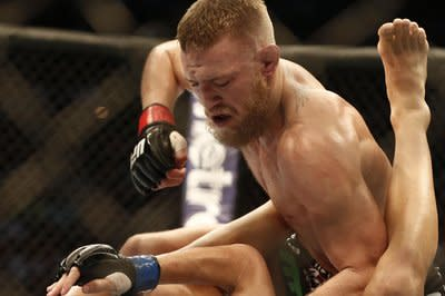 UFC 178 results: Conor McGregor knocks out Dustin Poirier in the first round