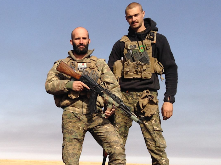 Daniel Burke (L) with Ollie Hall (R), another British YPG volunteer who was killed in action in 2017: Facebook