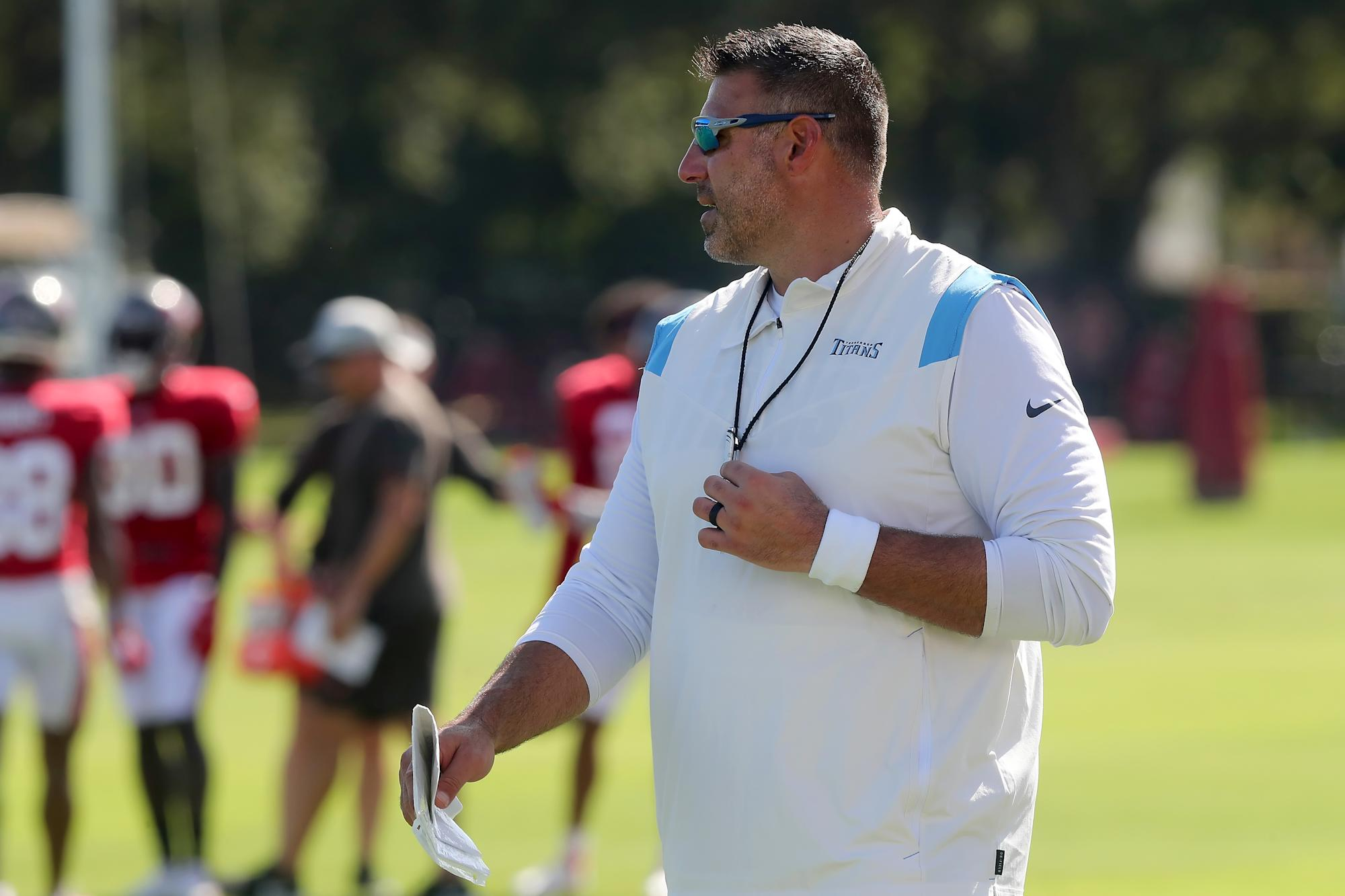 Titans coach Mike Vrabel tests positive for COVID-19 after joint practices with Buccaneers