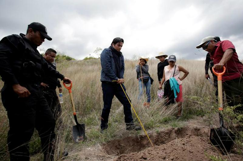 '400-500 Bodies Likely' in New Mass Grave Found in Mexico's Veracruz