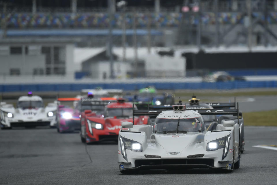 <strong><em>The No. 01 Cadillac of Renger van der Zande, Scott Dixon and Kevin Magnussen led the first 15 laps of Sunday's Motul 100 qualifying race at Daytona International Speedway (IMSA).</em></strong>