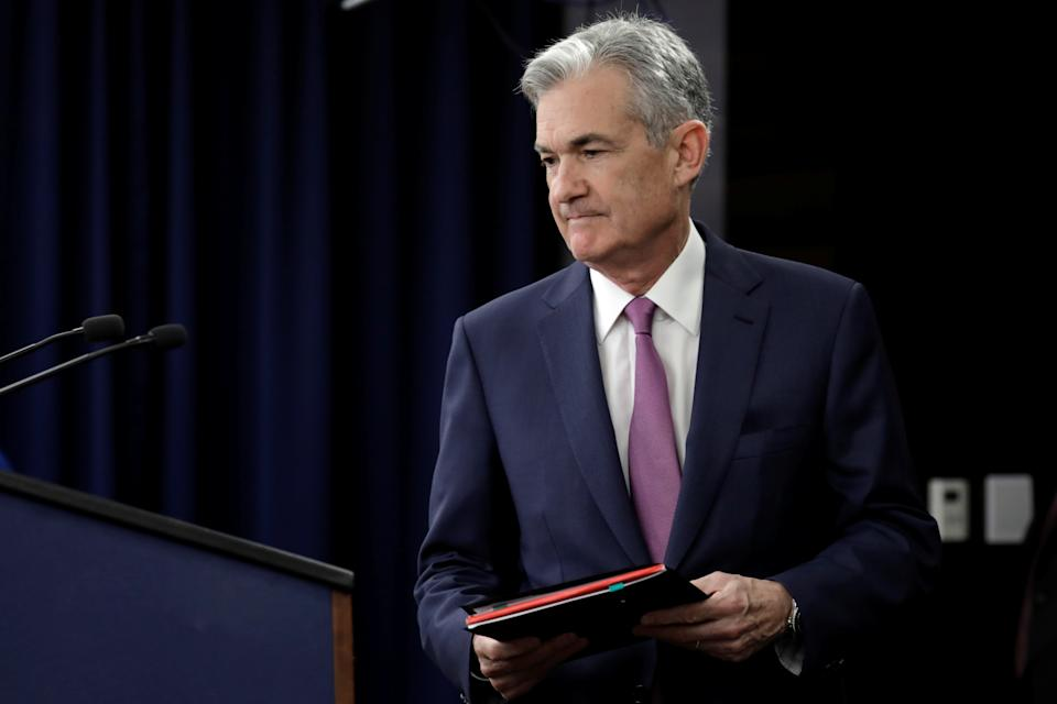 Federal Reserve Board Chairman Jerome Powell arrives at his news conference after the two-day meeting of the Federal Open Market Committee (FOMC) on interest rate policy in Washington, U.S., June 13, 2018. REUTERS/Yuri Gripas