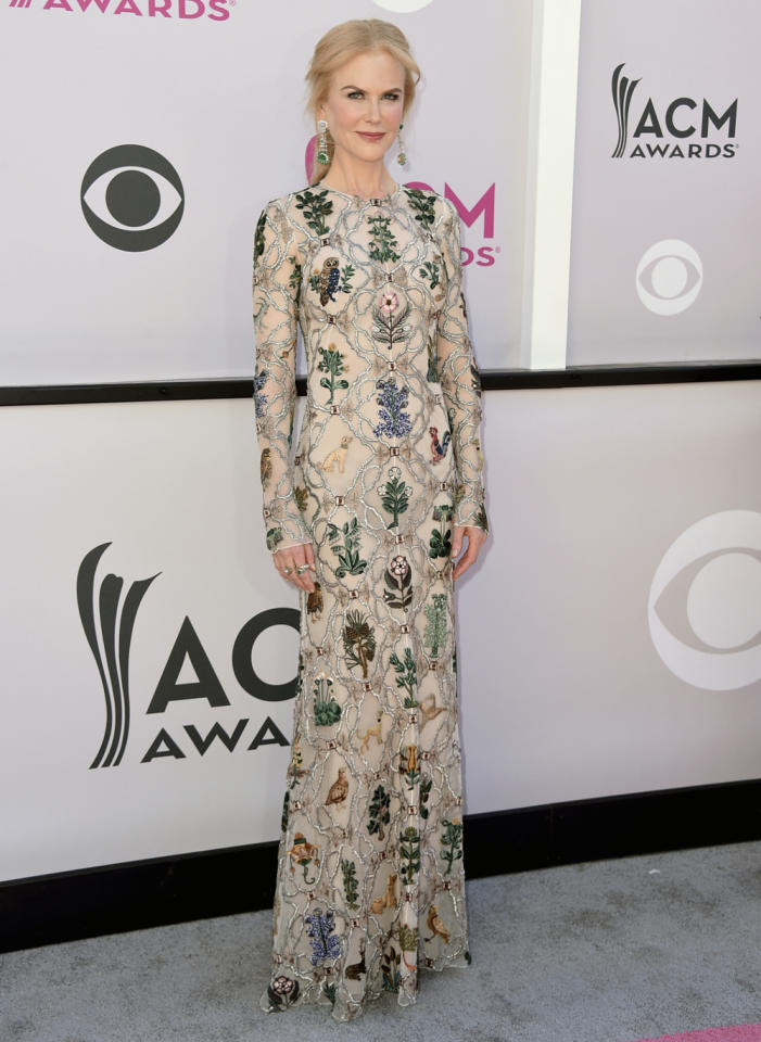 <div>Nicole was a regal vision in a pale embroidered gown by Alexander McQueen.<br /><i>[Photo: AP]</i> </div>
