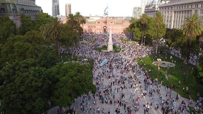Argentina protesters rally against vaccine line-jump scandal