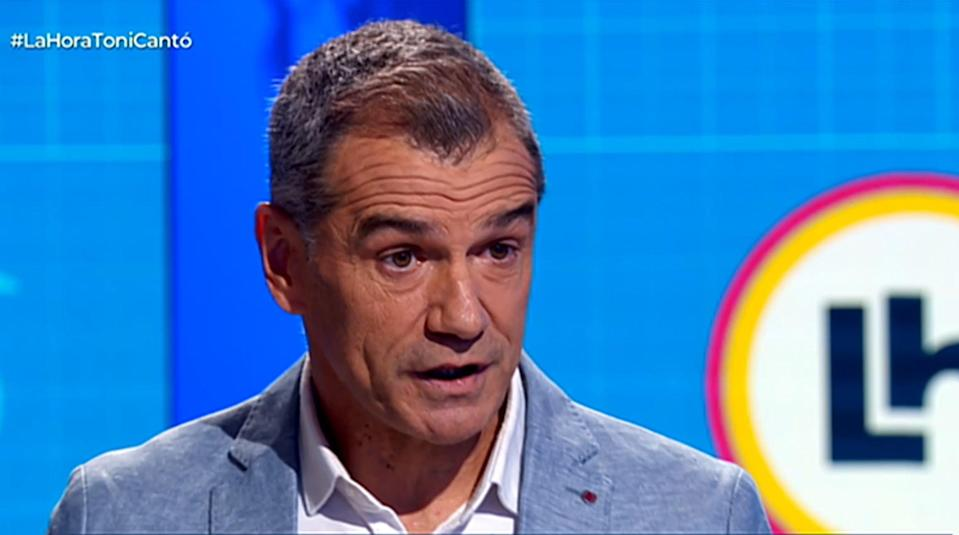 Toni Cantó, during a moment of the interview on RTVE.  (Photo: La Hora / RTVE)
