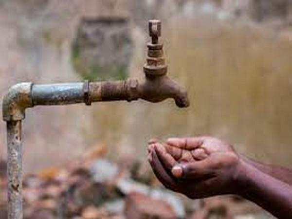 According to a Washington-based magazine, the International Monetary Fund (IMF) has placed Pakistan at the third position in the list of countries facing acute water scarcity. (Representative image)
