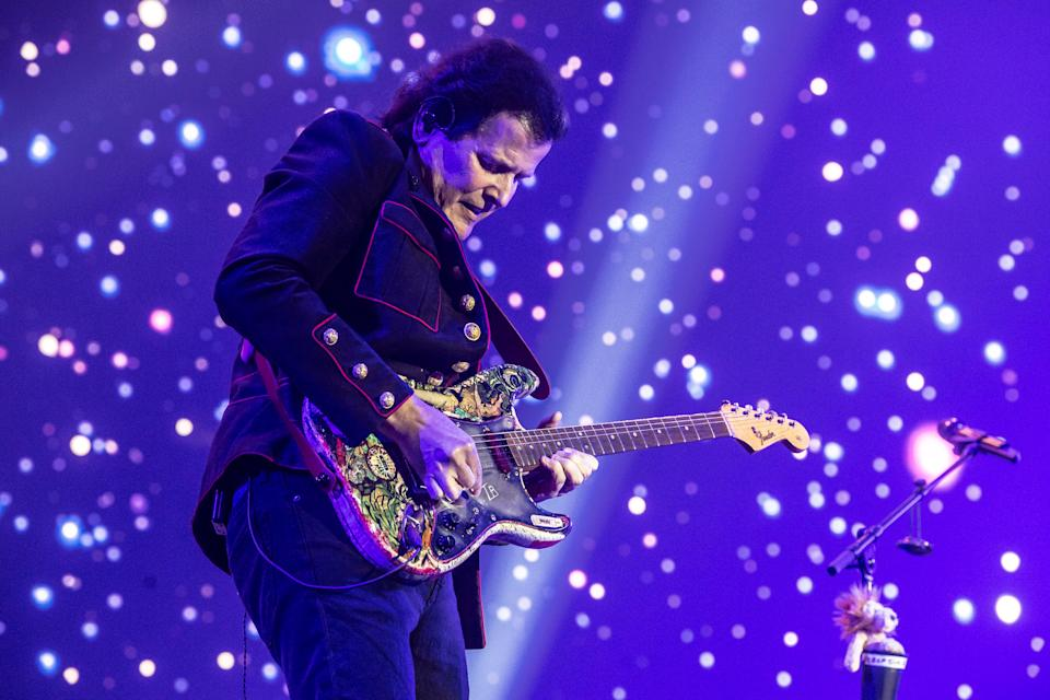 Trevor Rabin of progressive rock group Yes performing live on stage. Photo: Getty Images