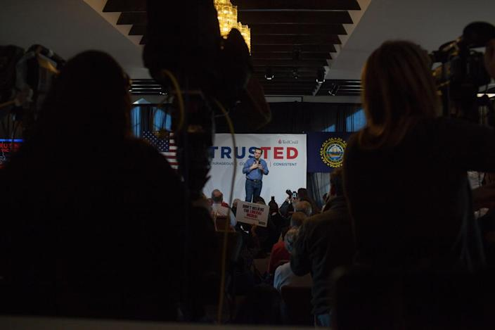 <p>Ted Cruz hosts a town hall on Feb. 2, 2016, in Windham, N.H.<i> (Photo: John Tully/For the Washington Post via Getty Images)</i></p>