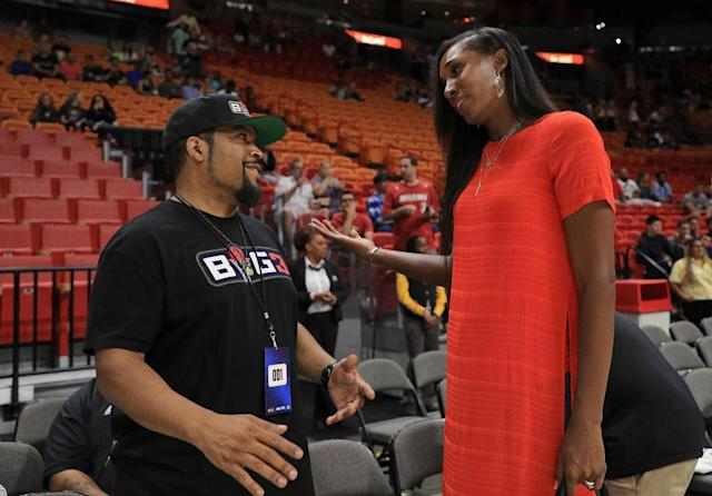 Lisa Leslie chatted with BIG3 co-founder Ice Cube when the league came through Miami last season. (Getty Images)n