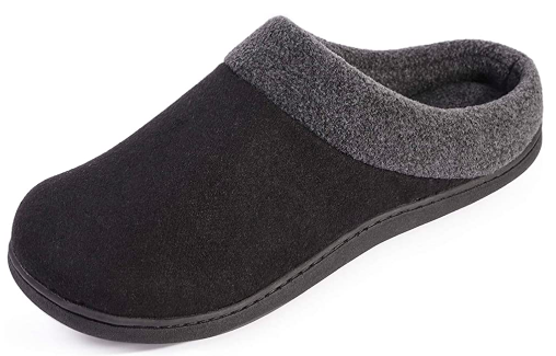 HomeIdeas Men's Woolen Anti-Slip House Slippers (Photo via Amazon)