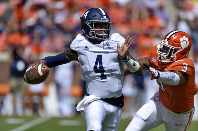 """Georgia Southern quarterback <a class=""""link rapid-noclick-resp"""" href=""""/ncaaf/players/268708/"""" data-ylk=""""slk:Shai Werts"""">Shai Werts</a> was the team's second-leading rusher in 2018 and had 25 total touchdowns. (AP Photo/Richard Shiro)"""
