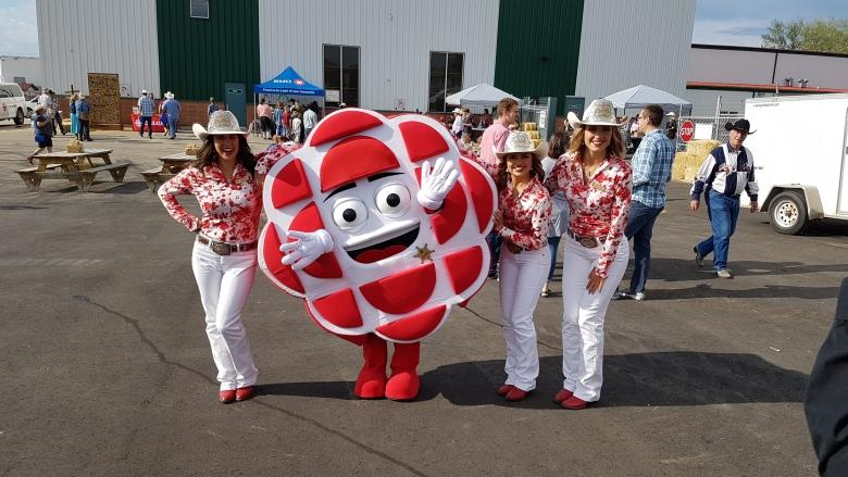 Stampede live blog: Breakfast with a purpose, pancakes topped with ice cream