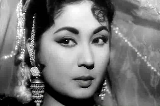 Meena Kumari: Born Mahjabeen Bano, and known as the Tragedy Queen of Indian cinema, actress and poet Meena Kumari is among the greatest actresses that India has ever seen. The actress, who starred in cult films such as Baiju Bawra, Pakeezah and Sahib Bibi Aur Ghulam, met director Kamal Amrohi on the sets of Tamasha. They fell in love when Meena Kumari was hospitalised after an accident while returning from Mahabaleshwar, and Amrohi would regularly visit her. Though he was much elder to Kumari, and was already married with three children, the duo had a secret nikah in February 1952, - a fact that was initially kept hidden from family and friends. It was in 1954 that her marriage became known to the public. However, Amrohi turned out to be a highly possessive husband who was jealous of his wife's success and would not allow any other man to meet her. Unable to stand his high-handed behaviour, Kumari separated from him. A patient of chronic insomnia, she started to take a peg of brandy to help her sleep, at the prescription of her physician. This became a habit, and she slowly turned into an alcoholic. In 1968, the actress was diagnosed with a damaged liver. Meena Kumari died in March 1972, at the age of 39, from liver cirrhosis.