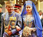 <p><b>Their traditional outfits topped off the extravagant nuptials of Brunei's Crown Prince Al-Muhtadee Billah and his bride Sarah Salleh. (Photo: AP) </b></p>