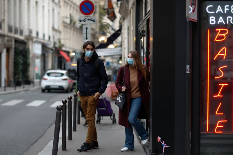 French youth, the main social group impacted by the upcoming curfew