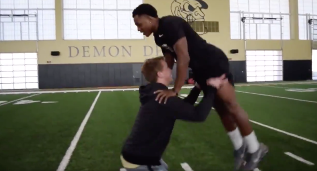 "Wake Forest's football team gave Odell Beckham and <a class=""link rapid-noclick-resp"" href=""/nfl/players/6760/"" data-ylk=""slk:Eli Manning"">Eli Manning</a>'s infamous Super Bowl ad the old college try. (via Wake Forest)"