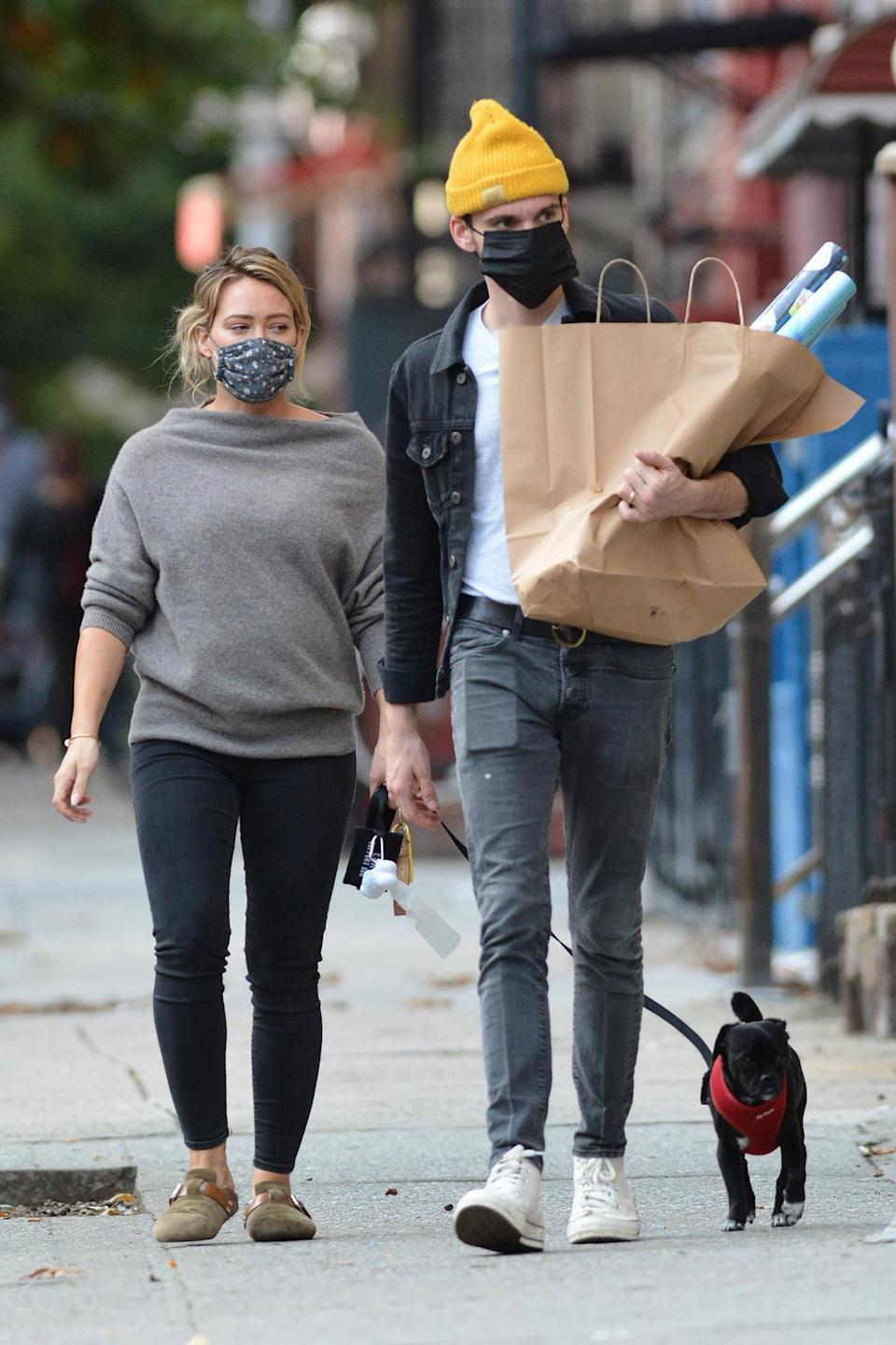 <p>Pregnant Hilary Duff and and her husband Matthew Koma were spotted in New York after they announced the news that they are expecting a second child.</p>