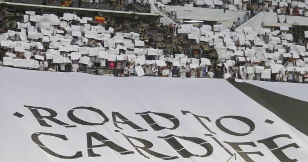 Foot - C1 - Real - Real Madrid : le tifo du Bernabeu contre le Bayern Munich