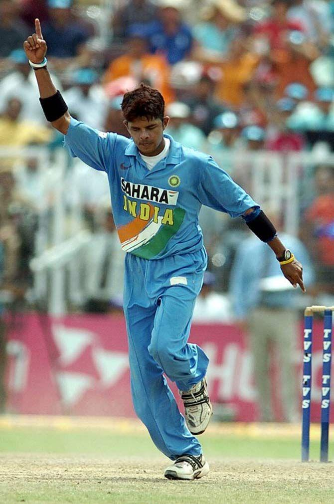 Image result for sreesanth 6/55 vs England, Indore – 7th ODI (2006)