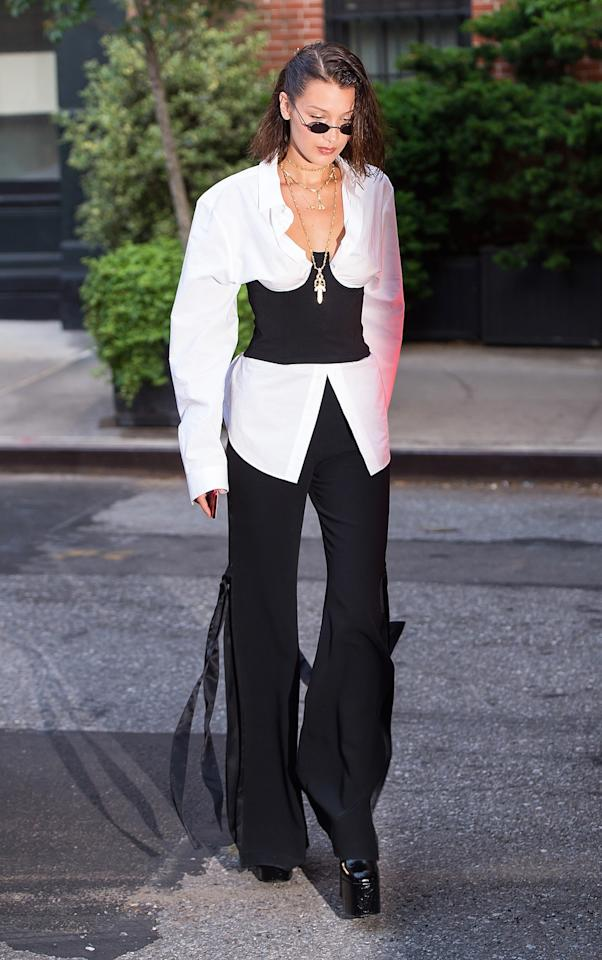 """<h2>In Cinq à Sept Pants And Roberi & Fraud Sunglasses</h2>                                                                                                                                                                             <p><p>In New York City, 2017</p>                                                                                                                                                                               <h4>Getty Images</h4>                                                                                                                 <p>     <strong>Related Articles</strong>     <ul>         <li><a rel=""""nofollow"""" href=""""http://thezoereport.com/fashion/style-tips/box-of-style-ways-to-wear-cape-trend/?utm_source=yahoo&utm_medium=syndication"""">The Key Styling Piece Your Wardrobe Needs</a></li><li><a rel=""""nofollow"""" href=""""http://thezoereport.com/entertainment/culture/easy-healthy-frozen-yogurt-recipe/?utm_source=yahoo&utm_medium=syndication"""">This 3-Ingredient Healthy Froyo Recipe Is All We Want To Eat This Summer</a></li><li><a rel=""""nofollow"""" href=""""http://thezoereport.com/beauty/skincare/sunscreen-facts-protect-skin/?utm_source=yahoo&utm_medium=syndication"""">The Scary Truth Hiding In Your Sunscreen</a></li>    </ul> </p>"""
