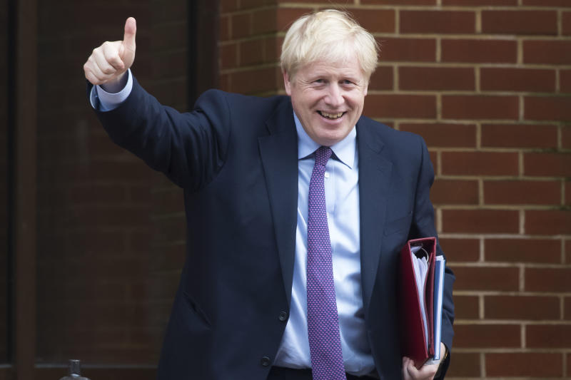 CARDIFF, WALES - JULY 30: UK Prime Minister Boris Johnson gives a thumbs up sign after meeting the First Minister of Wales Mark Drakeford in the National Assembly for Wales on July 30, 2019 in Cardiff, Wales. The PM is due to announce £300m of funding to help communities in Scotland, Wales and Northern Ireland. (Photo by Matthew Horwood/Getty Images)