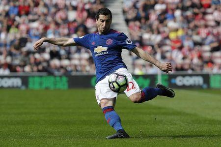 Britain Football Soccer - Sunderland v Manchester United - Premier League - Stadium of Light - 9/4/17 Manchester United's Henrikh Mkhitaryan in action Reuters / Russell Cheyne Livepic