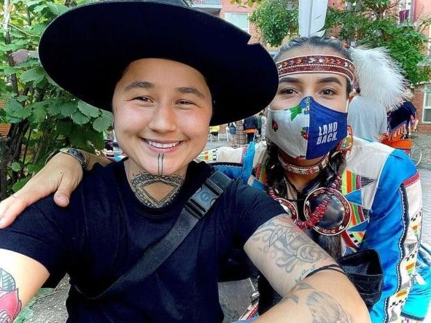 Nanook Gordon and Brianna Olson-Pitawanakwat started the Native Arts Society  plan to give Indigenous street artists a chance to create and have their work sold in a gallery. (Nanook Gordon - image credit)