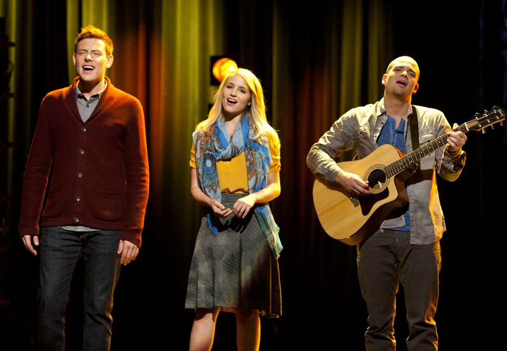 "McKinley High's alumni perform in the ""Thanksgiving"" episode of ""Glee."""