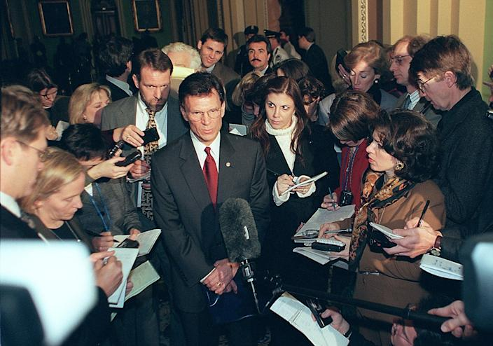 Then-Senate Minority Leader Tom Daschle, D-S.D., speaks to reporters in the runup to the Clinton impeachment trial, Jan. 6, 1999. (Photo: William Philpott/AFP via Getty Images)
