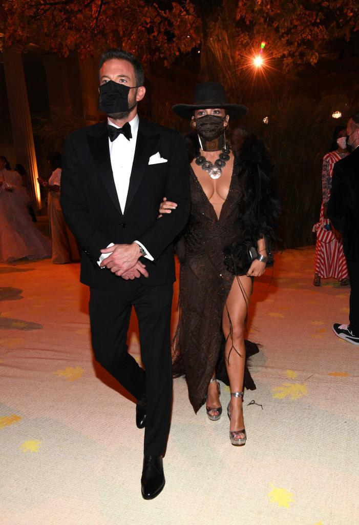 (L-R) Ben Affleck and Jennifer Lopez attend the The 2021 Met Gala Celebrating In America: A Lexicon Of Fashion