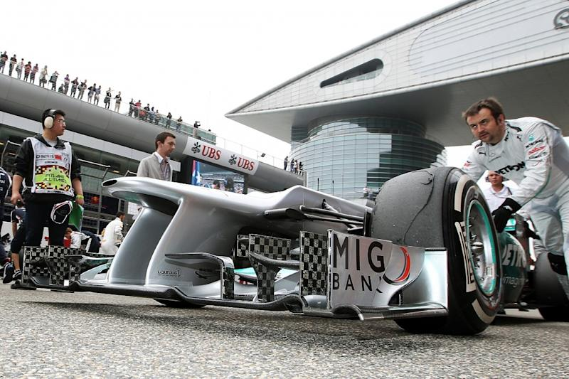 Banned: Mercedes' double DRS device
