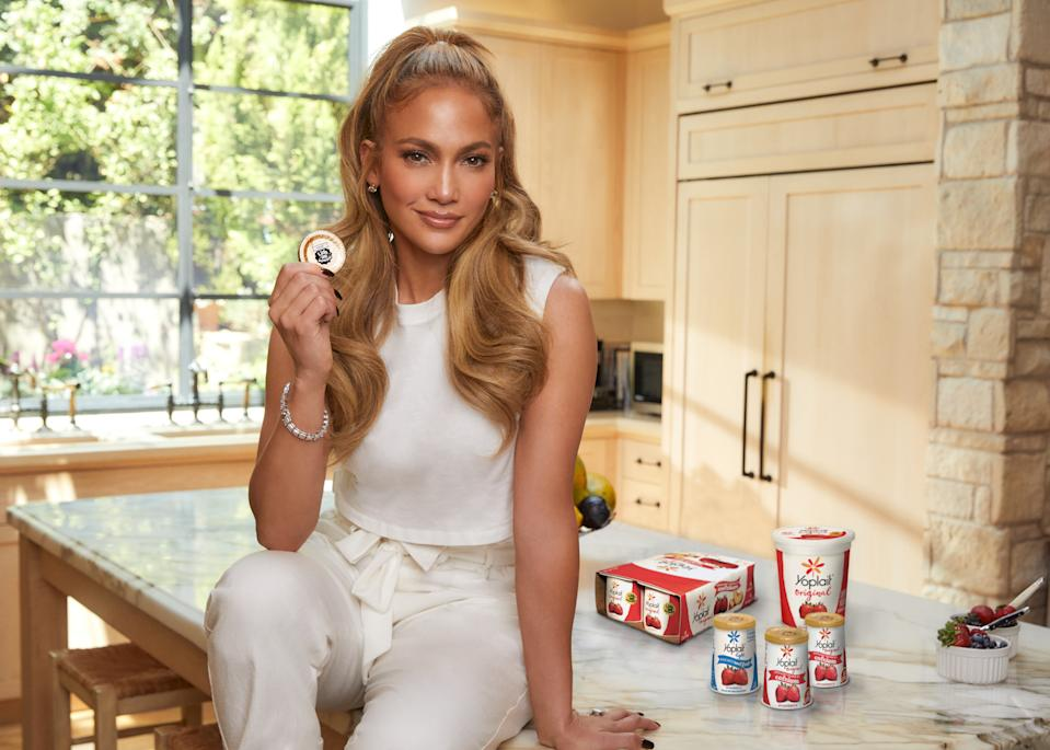 Jennifer Lopez is helping people live healthier this year with Yoplait and Feeding America. (Photo: General Mills)