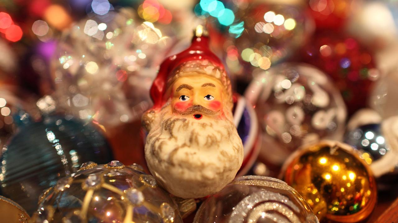 10 Old-Fashioned Christmas Traditions We Love