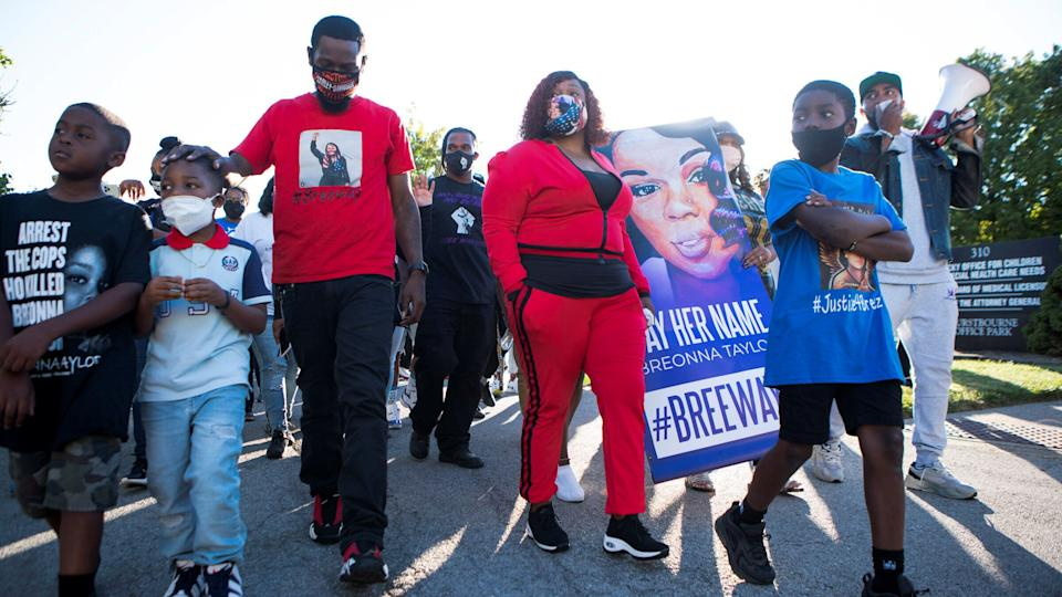 Tamika Palmer, the mother of Breonna Taylor, has endorsed Campaign Zero's effort. (Photo: Lawrence Bryant / Reuters)