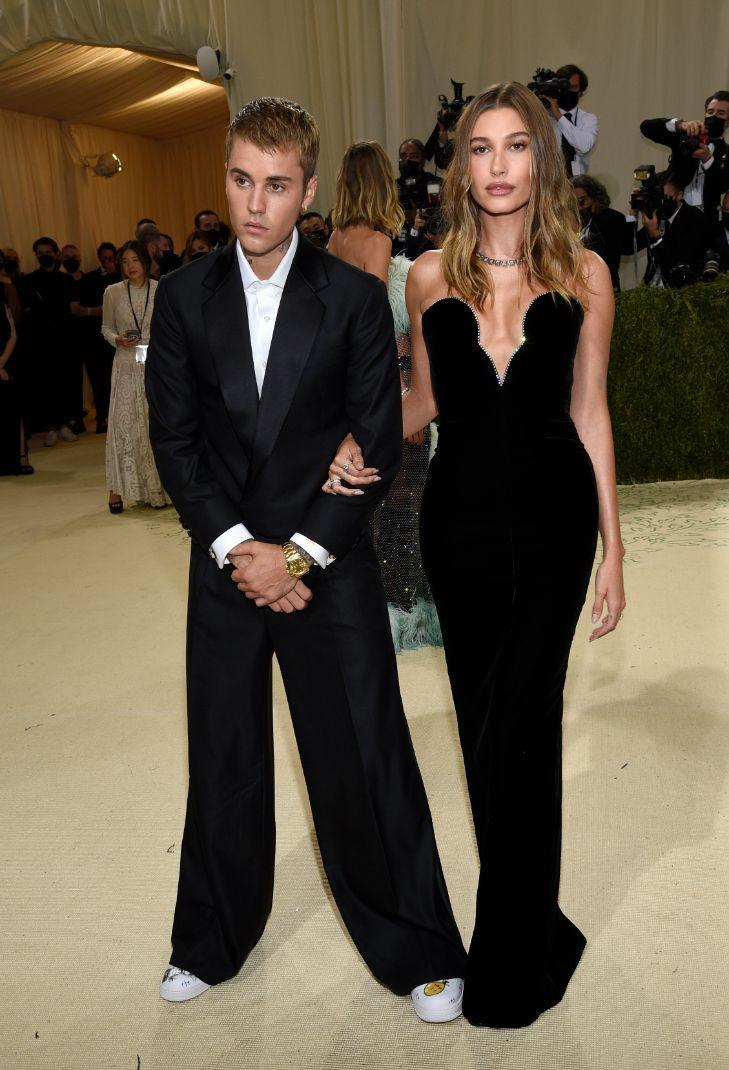 Justin Bieber and Hailey Baldwin attend the Metropolitan Museum of Art's Costume Institute Benefit Gala celebrating the opening of 'In America: A Lexicon of Fashion';  Exhibition in New York on Monday, September 13, 2021.  - credit: AP
