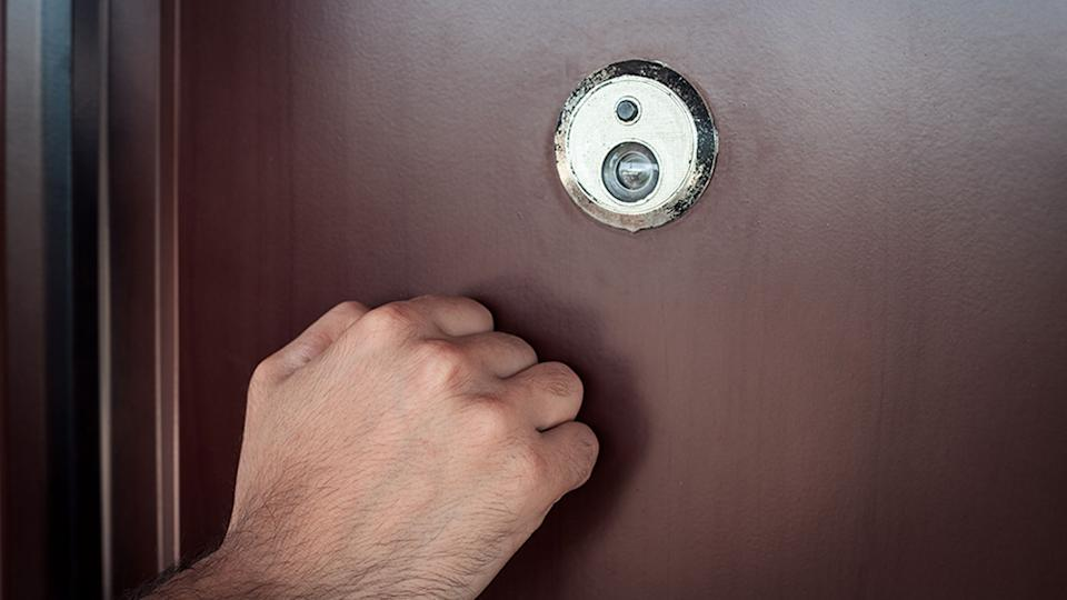 A man called in 3AW after a man knocked on his door and asked to use his phone. Source: Getty Images