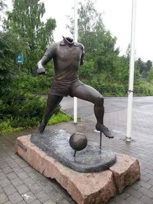 Rival fans removed the head of a statue of Norwegian soccer legend Tom Lund -- Facebook